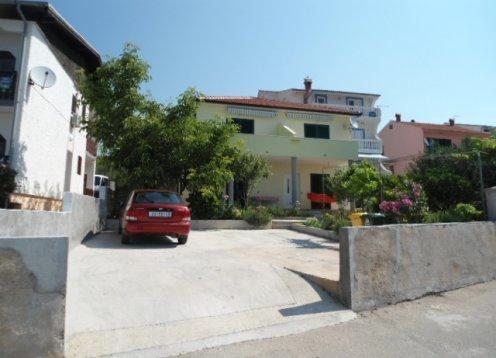 Apartmány Branko Bračanov - Jezera AP1 (2 + 1)