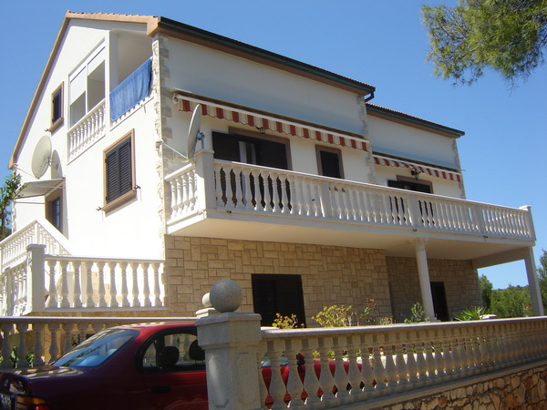 Vila Mare Basina AP2 (2+2)