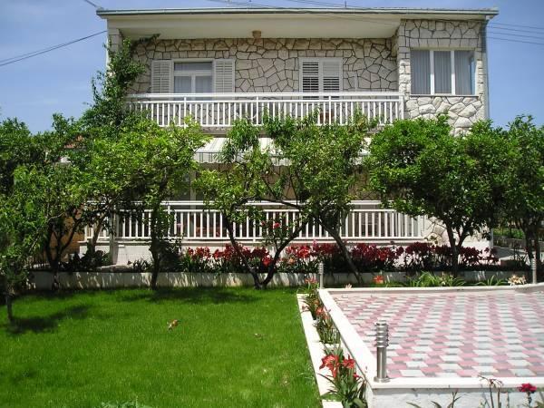 Apartmány Barada - Trogir AP1 (2+2)