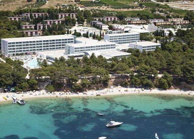 Bluesun hotel Elaphusa - Bol, ostrov Brač GARANCE NEJNIŽŠÍ CENY