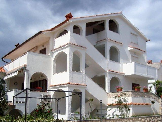 Apartmány Zora&Mirko (Lopar-San Marino-Rájska pláž) AP1 4+2