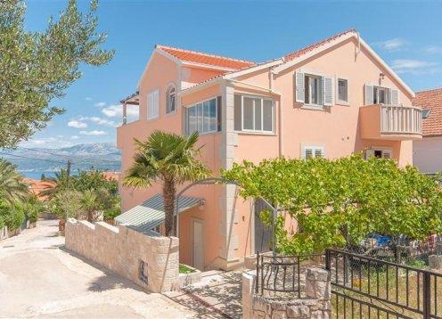 Apartments Ante - Supetar - Island Brač A2 (4+2) 38921-A2