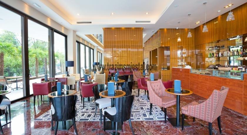 Opatija hoteli najam design hotel royal opatija garancija for Design hotel royal opatija