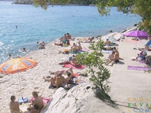 strand plava plaza dramalj