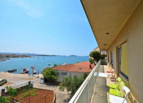 Apartman Frane - Brodarica (6+2) 27781-A1