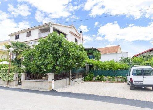Apartmani Amalija - Vodice A2 (4+2) 23081-A1