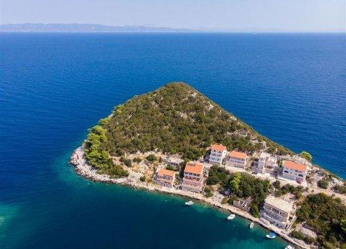 Apartmani IVAN - Zaklopatica - otok Lastovo A1 (4+2) 53213-A1