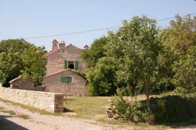 Kuća Parun (2+1)