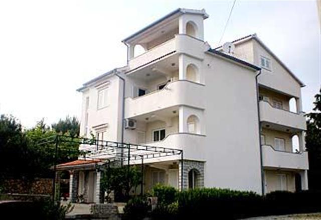 Apartmani Mlacović AP4 - Palit (4+0)