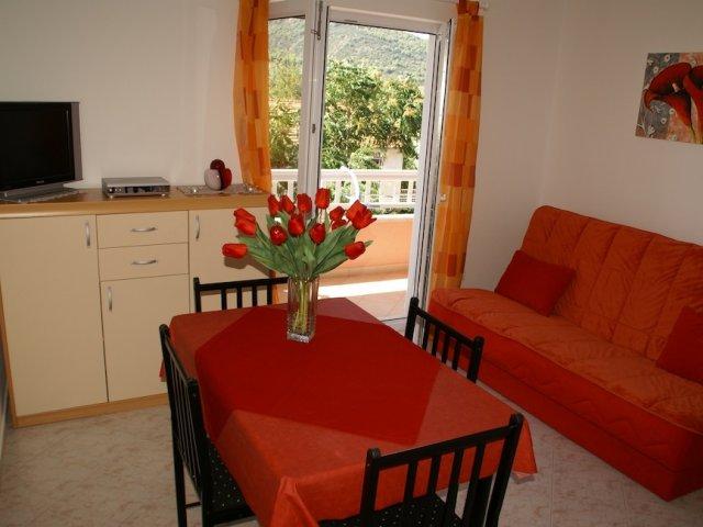 Apartmani Renko - Hvar - Stari Grad AP3 (2+2)
