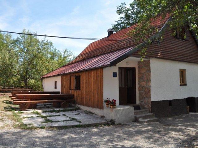 Kuća dida Martina - Rizvanuša (16+0)