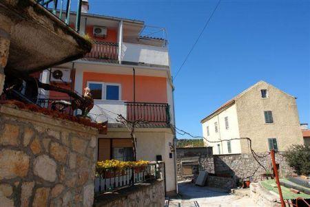 Apartmani Pivac - Tisno AP3 (4+2)