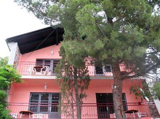 Apartmani Martha - Karlobag A1 (4+1)