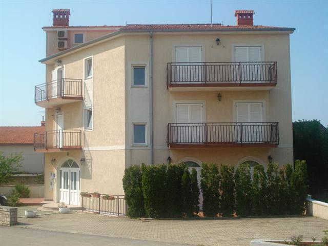 Villa Cukon Štinjan AP4 (2+2)