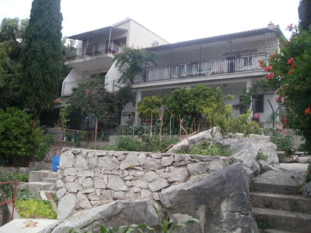 Apartmani Nikola - Trogir-Čiovo AP1 (4+0)