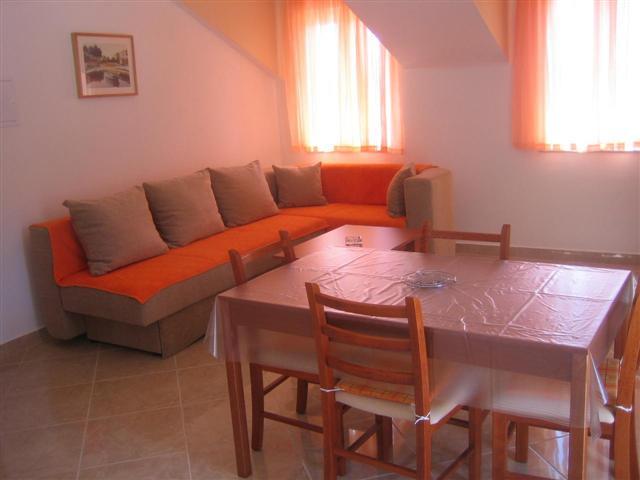 Apartmani Perica - Ivan Dolac AP3 (2+3)