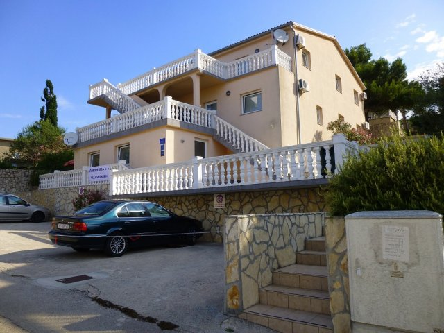 Villa Rosmarin - Omisalj APARTMANI A1-BRUNI-BEATE- ROSI (2+2)