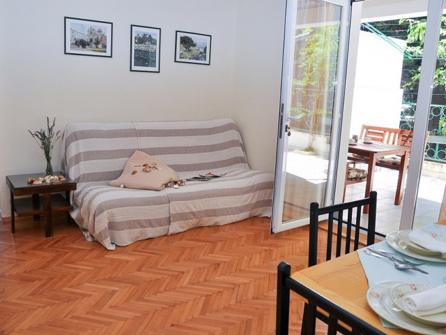 Apartmani Dora – Murter AP2 (2+2)
