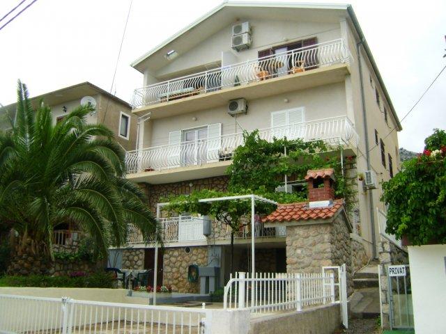 Apartmani Ivanka - Starigrad Paklenica AP1 (2+1)