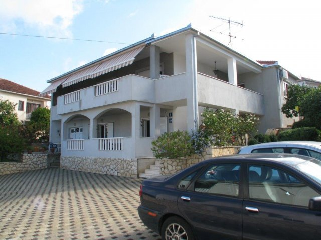 Apartmani Marin - Trogir AP1 (2+2)