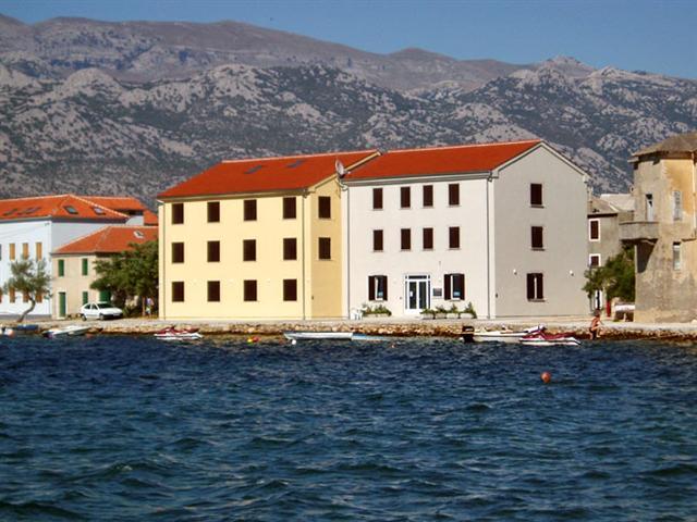 Apartman studio Tamarix za 2 osobe s pogledom na more i plažu, Vinjerac - Zadar