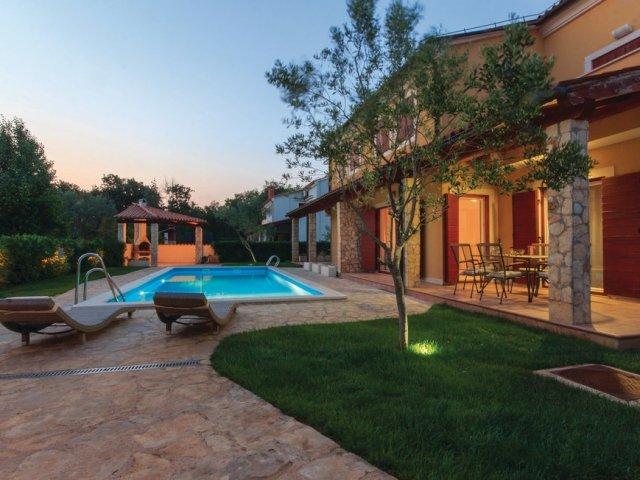 Apartman Oliva - Banjole - Istra (2+2) Apartman sa bazenom