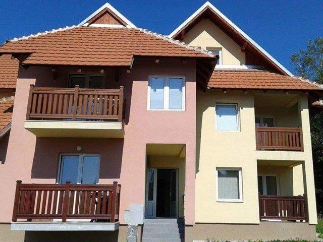 Apartmani na Zlatiboru povoljno u centru (2+2)