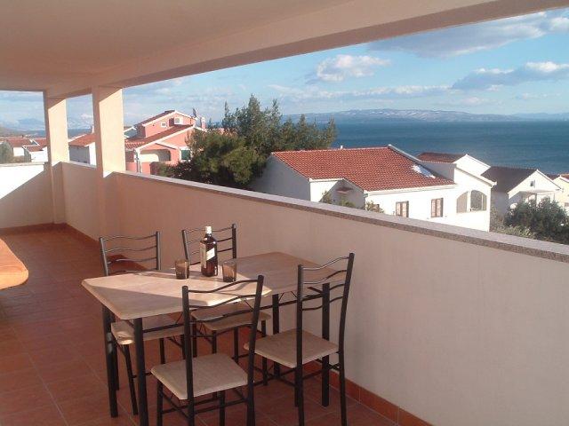 Apartmani Kovačević - Okrug Gornji sa terasom i pogledom na more