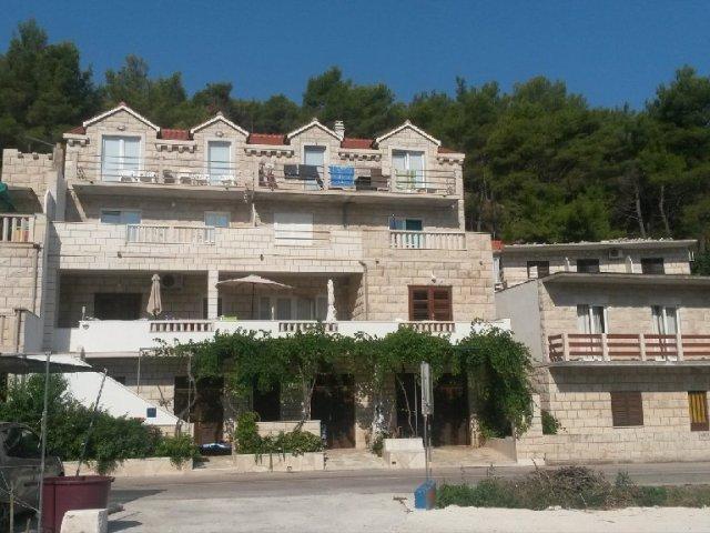 Luksuzni apartman sa dvije sobe i terasom sa pogledom na more