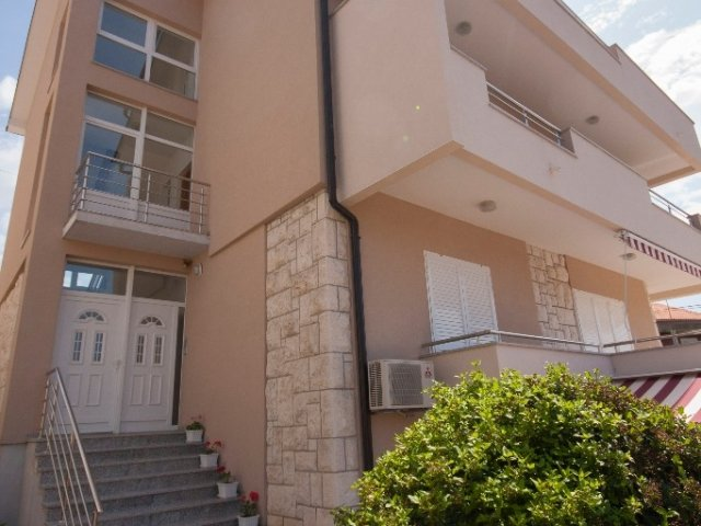 Apartman Šime - Brodarica (6+2)