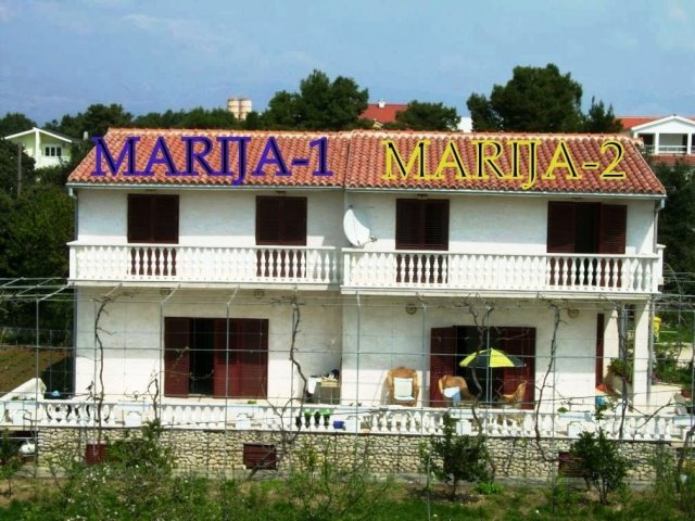 MARIJA-1,2 dvojna kuća za 2 X 8 osoba (ukupno 16 osoba). Vrsi-Nin