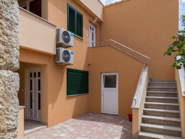 Apartmani Villa-Ines Vodice
