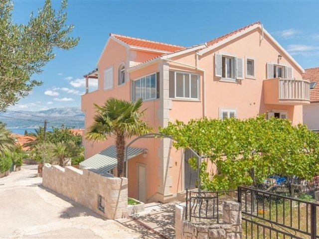 Apartmani Ante - Supetar - otok Brač A2 (4+2) 38921-A2