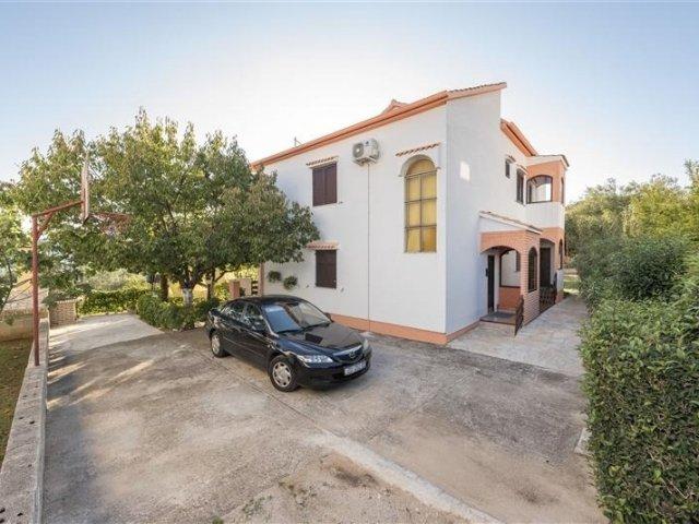 Apartmani TIM - Sv. Petar - Sukošan (Zadar) A2 (2+1) 20391-A2