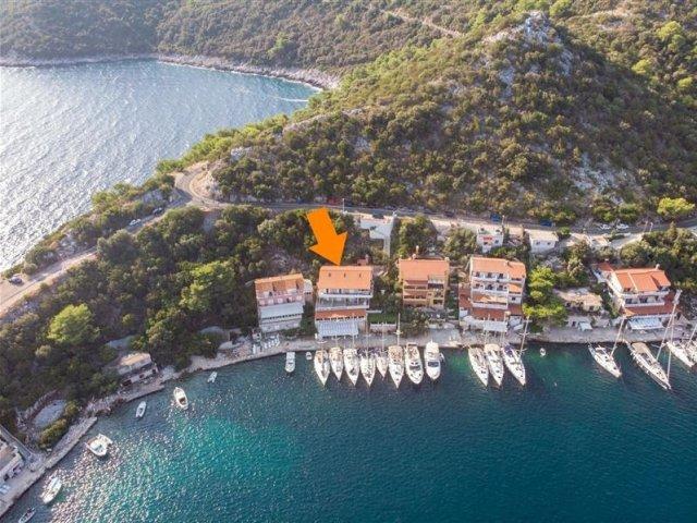 Apartmani Marina - Zaklopatica - otok Lastovo A1 (2+2) 53212-A1