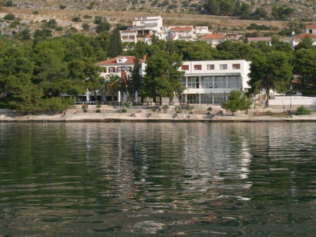 Villaggio turistico Jadran Seget Donji  GARANZIA DEL PREZZO PIÙ BASSO